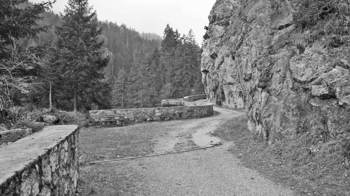 wegtrasse alter gaichtpass felswand