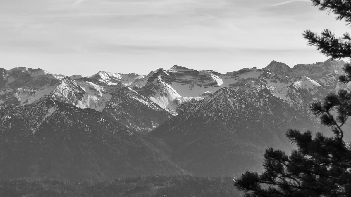 Blick in das Karwendel hin zur Soiernspitze