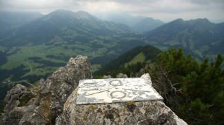 Grenzstein am Zinken