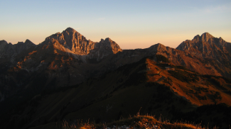Sonnenaufgang über den Tannheimer Felsbergen