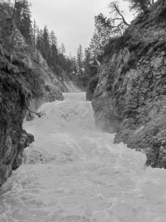 Stuibenfälle bei Hochwasser