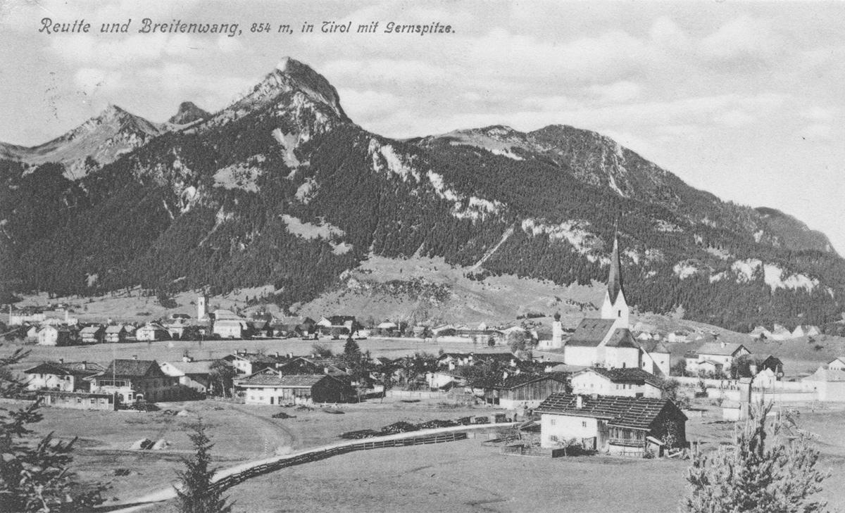 Blick auf Reutte und Breitenwang um 1900
