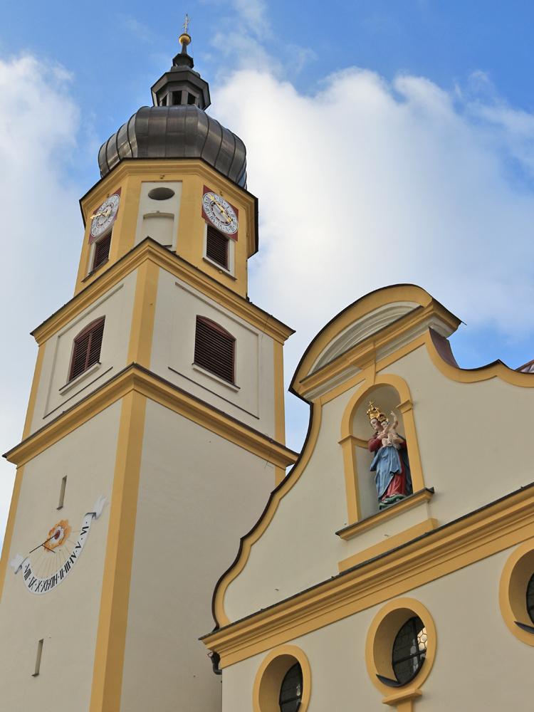 Ansicht der Stadtpfarrkirche von Vils