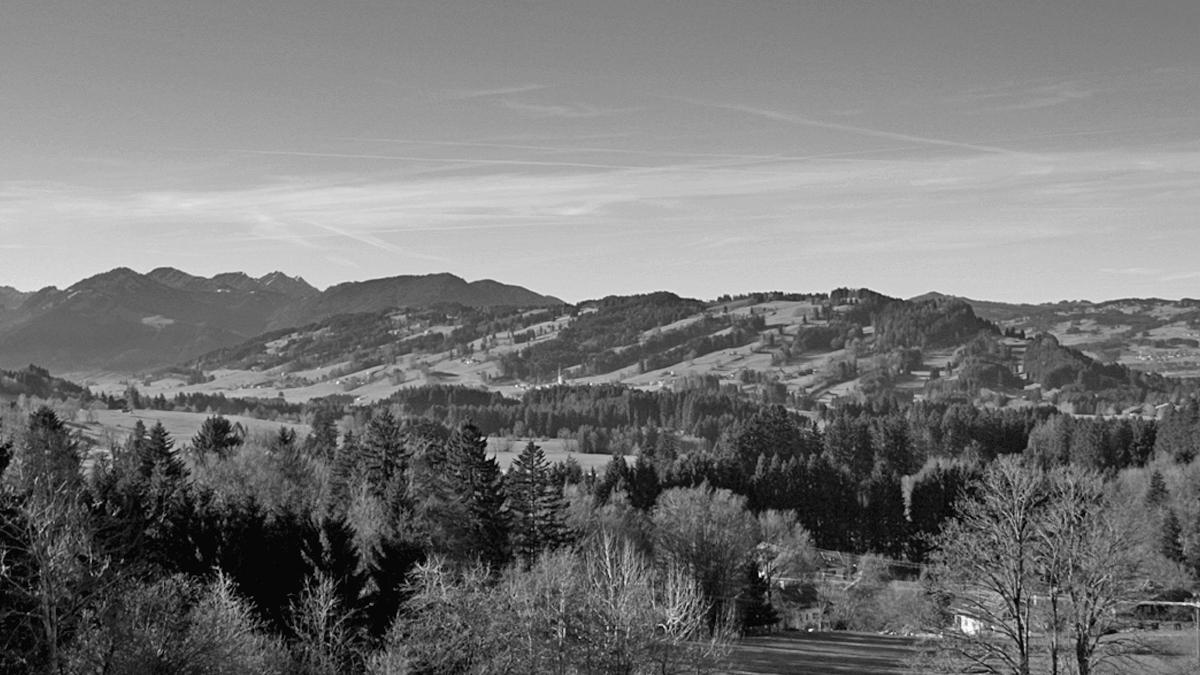 Blick vom Burgkranzegger Horn hinüber zum benachbarten Rottachberg