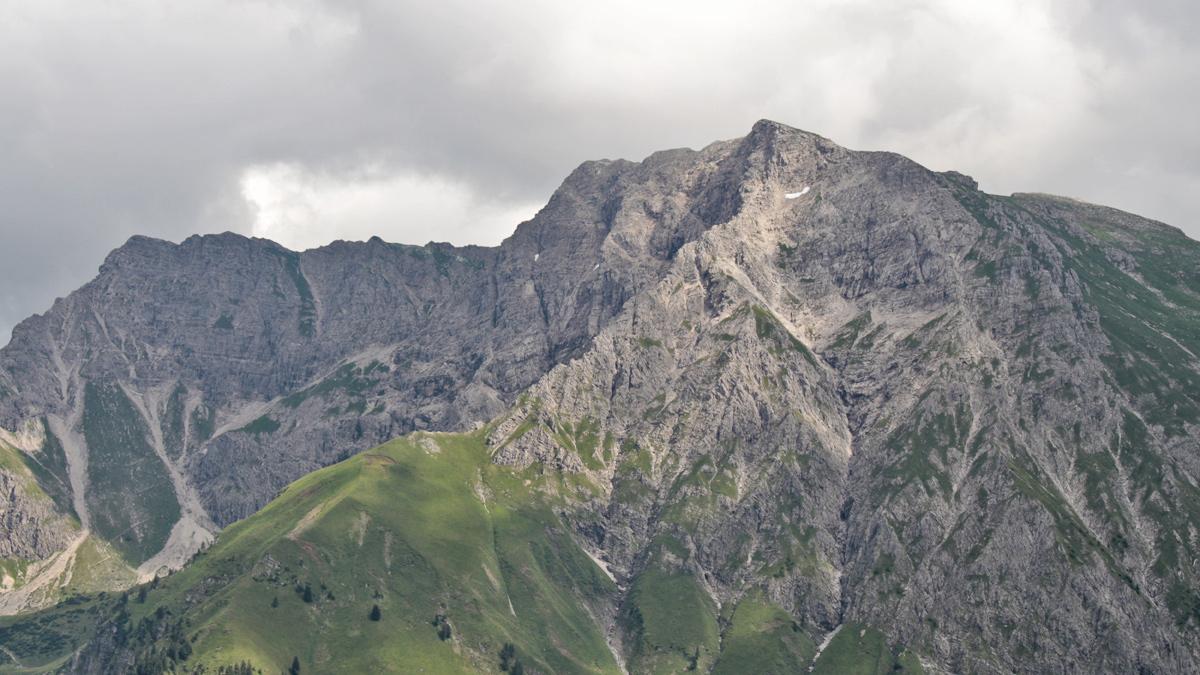 der Kleine (li.) und Große Daumen vom Schafeggkopf (Schnippenkopf) aus betrachtet