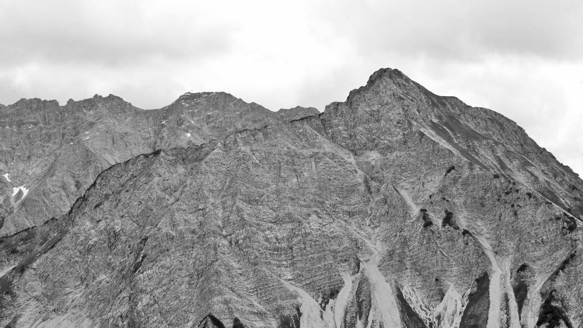 der Entschenkopf (re.) mit dem Nebelhorn im Hintergrund