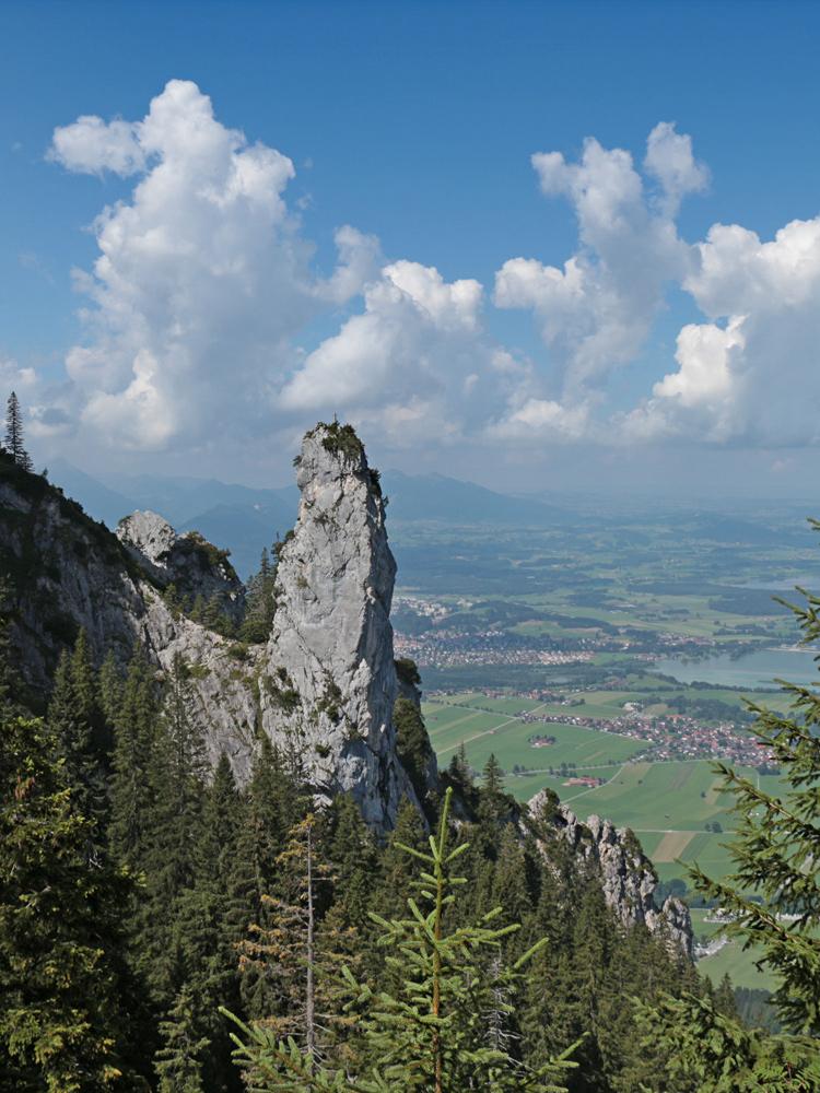 eindrucksvoller Felsturm östlich der Gelben Wand