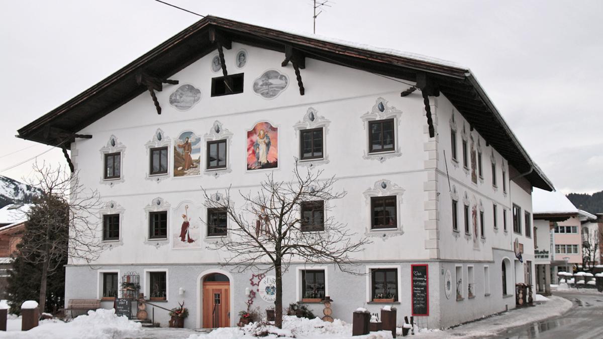 das sogenannte Montfort-Haus in Tannheim Unterhöf - heute wird es das Höfbräu genannt