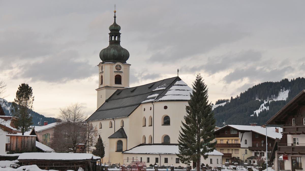 die Pfarrkirche St. Nikolaus in Tannheim