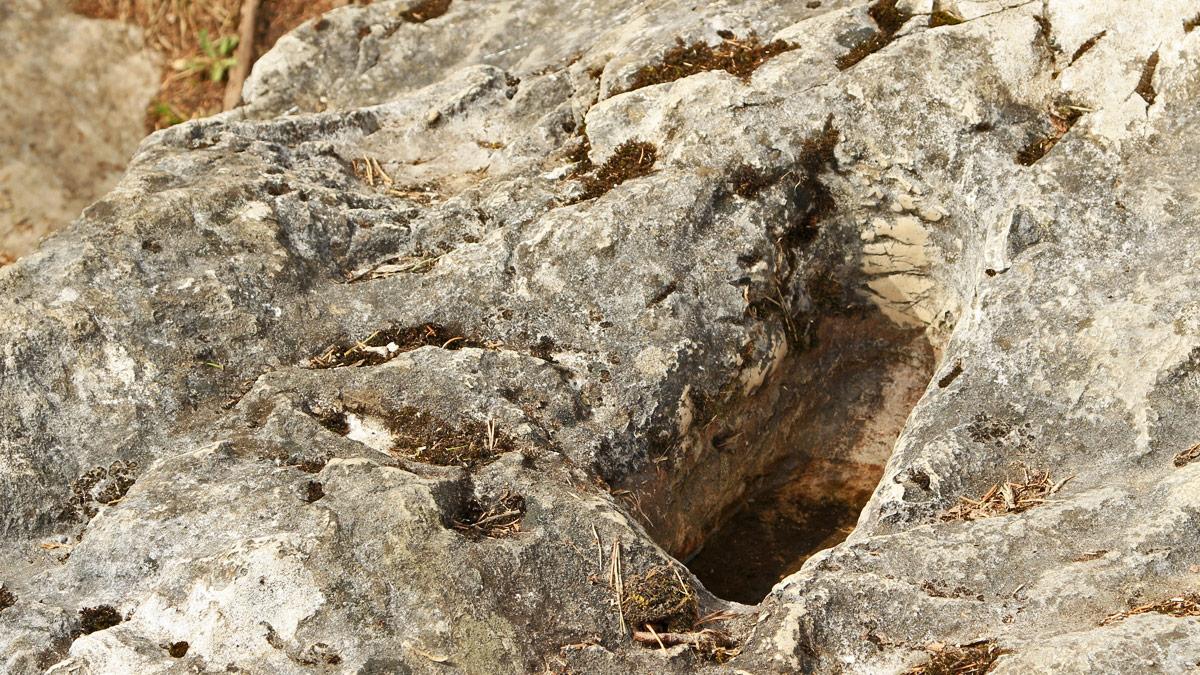 der Mang-Tritt - eine Vertiefung am Felsplateau oberhalb der Lechschlucht - vermutlich schon heidnischer Opferplatz wurde er mit der Magnus-Legende sodann christlich umgedeutet