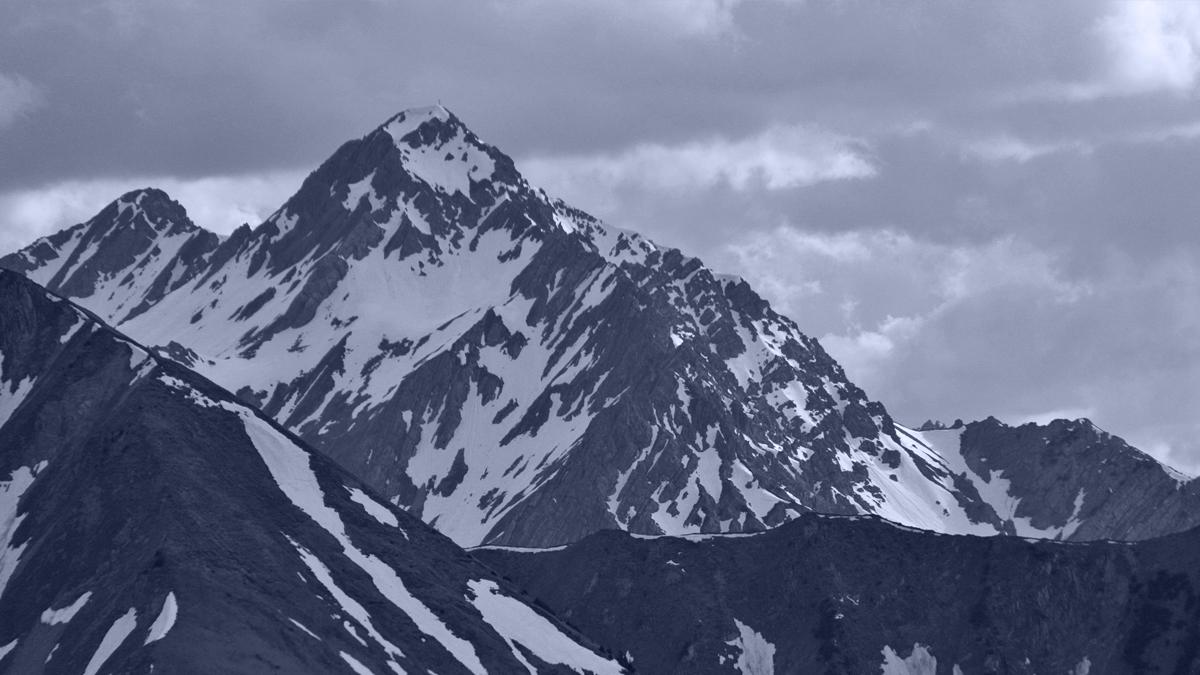 Blick auf Steinmandlspitze und Roter Stein (v.l.)