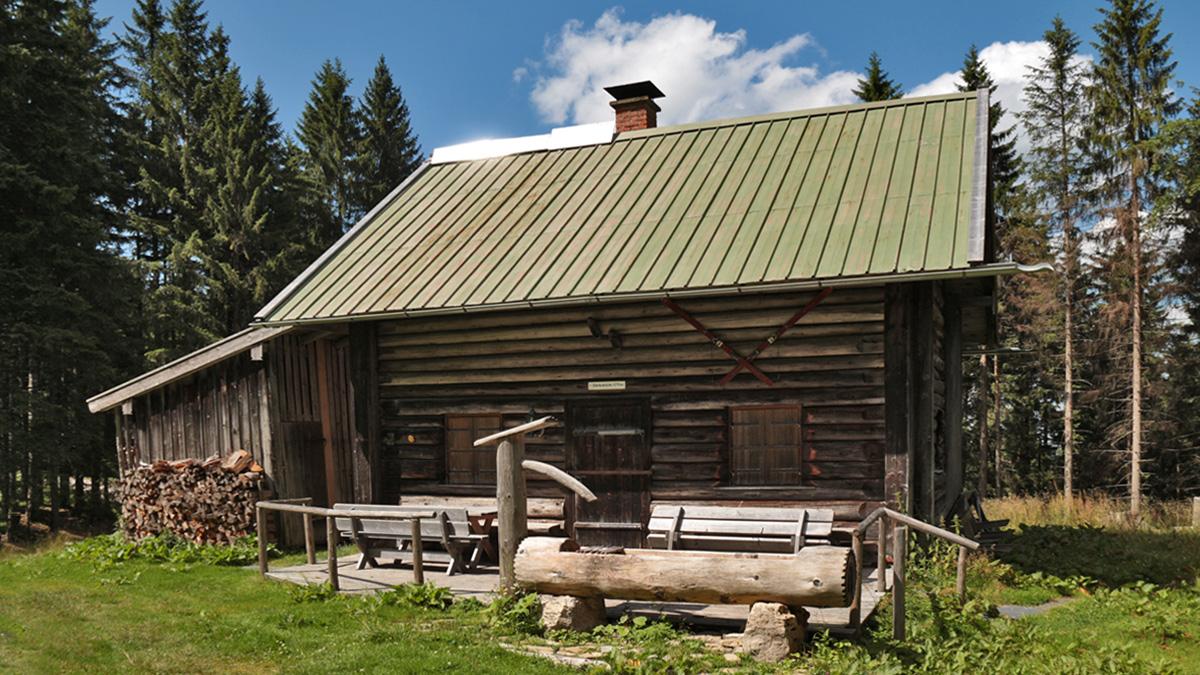 die Lähnbachhütte nordöstlich der Niederbleick