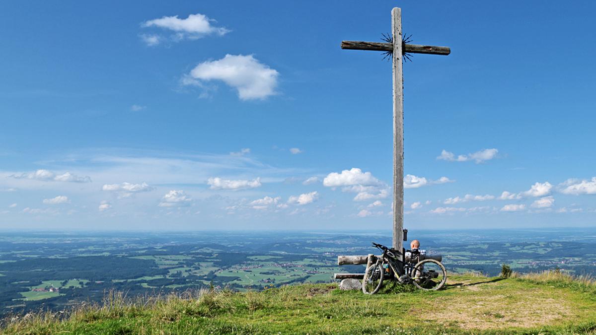 die Niederbleick - ein eindrucksvoller Aussichtsbalkon im Gebiet der Trauchberge