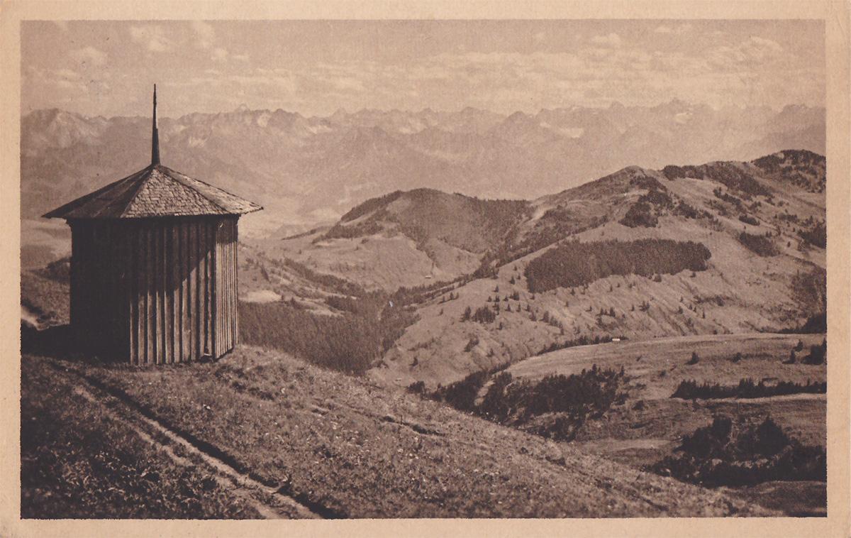 das Pavillon am Gipfel des Stuiben