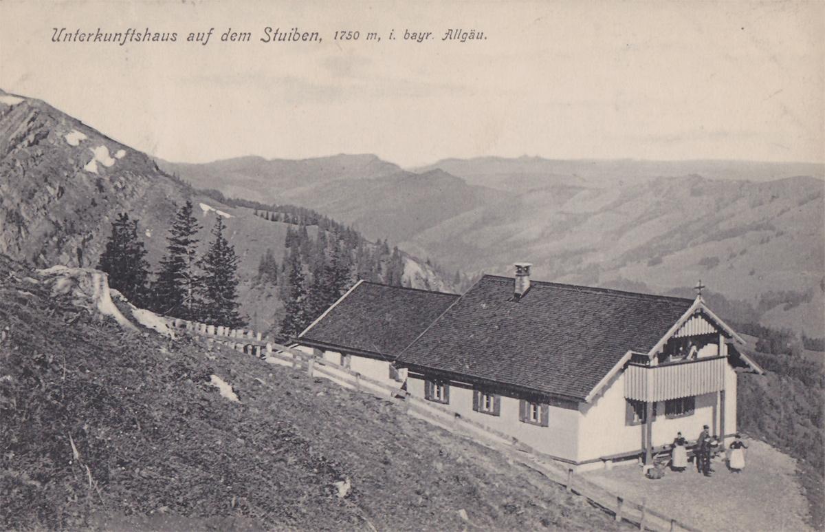 das ehemalige, heute nicht mehr existierende Unterkunftshaus auf dem Stuiben etwa um die Jahrhundertwende