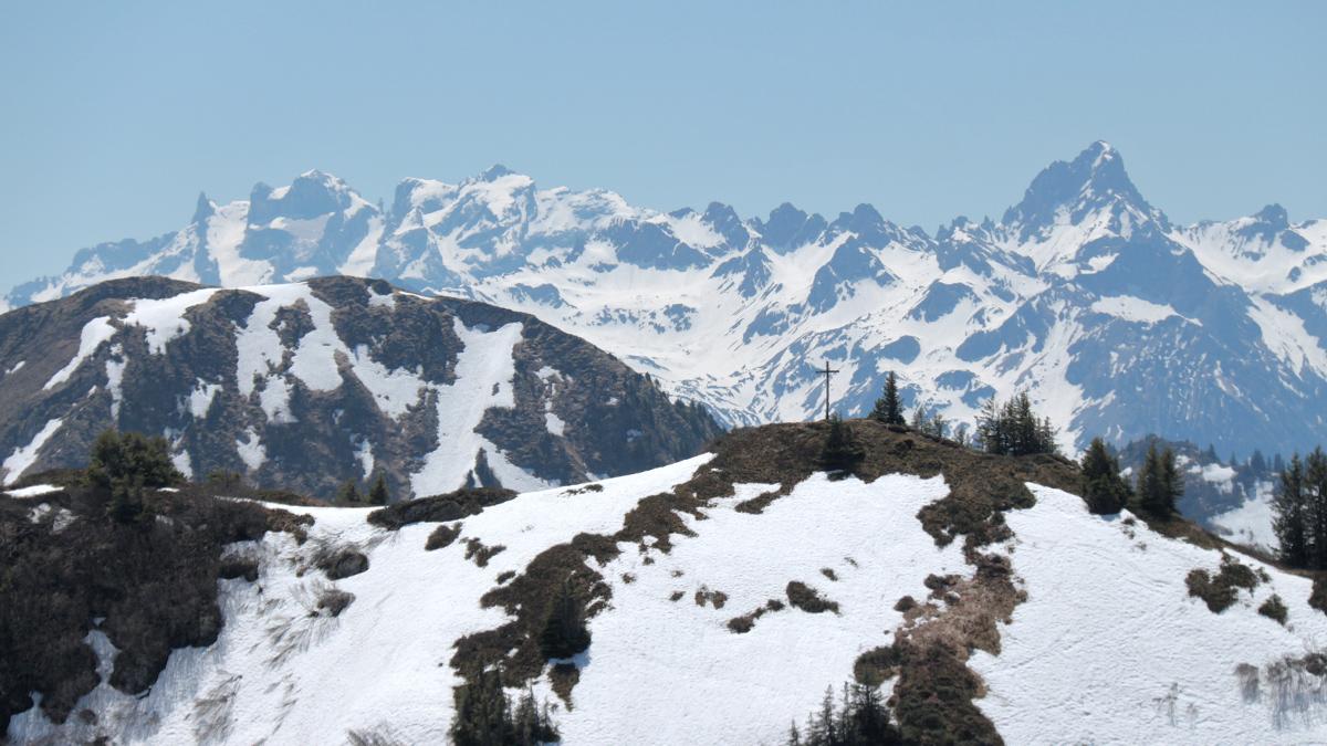 Ausblick zum Portlakopf - im Hintergrund die Drei Türme, Drusenfluh und das markante Horn der Zimba