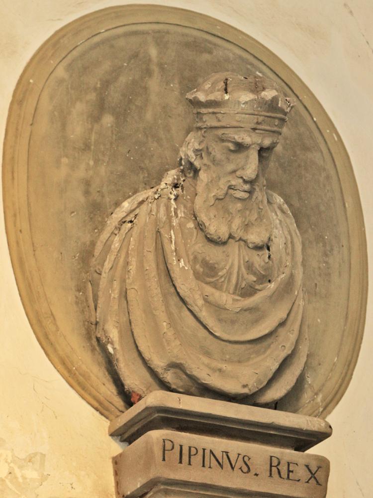 König Pippin der Jüngere (* 714; † 24. September 768 in Saint-Denis bei Paris) war der Sohn Karl Martells und der Vater Karls des Großen - er hob bei den Alemannen die Herzogswürde auf
