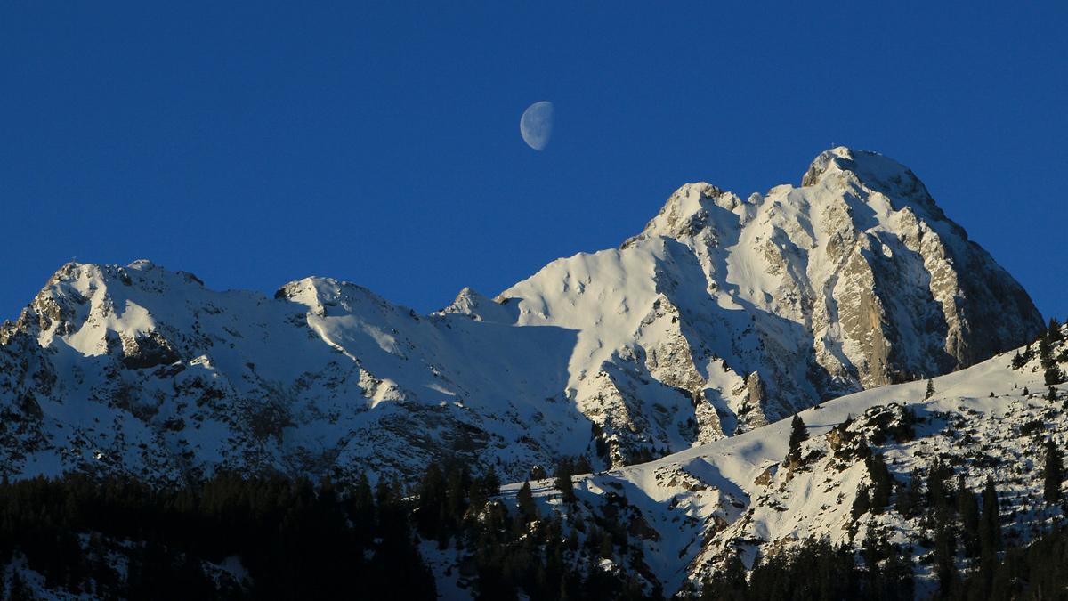 der Gipfelstock der Gehrenspitze - mit dem anschließenden Ostgrat bis zu dessen Abschluss an der Blachenspitze