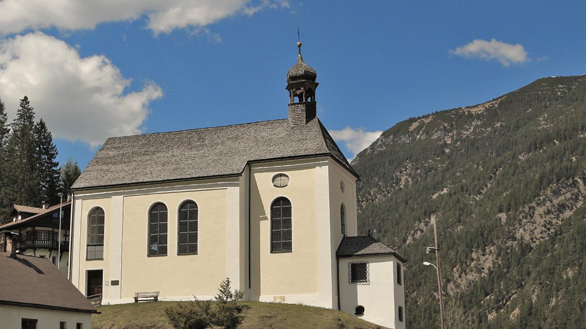 die einzige erhaltene Zunftkirche Österreichs ist dem hl. Josef geweiht und steht westlich des Bichlbacher Dorfkerns auf dem sogenannten Bichl