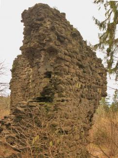 ruine  neuenburg  mauerreste