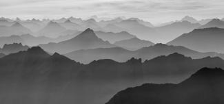 """2016/01 """"Berge in schwarz-weiss"""" (Platz 1)"""