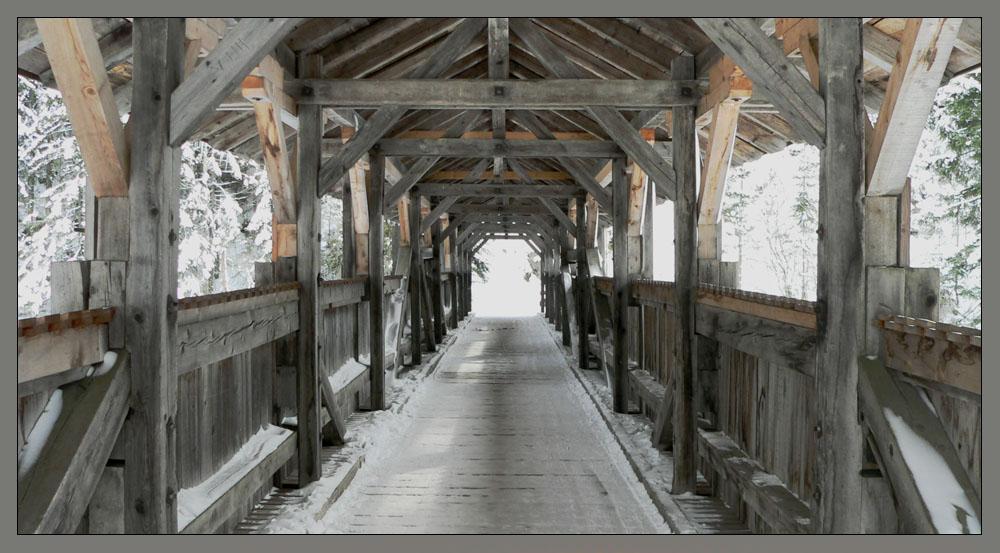 Die Nikolausbrücke bei Elbigenalp