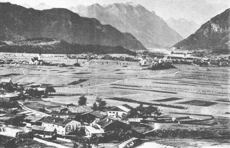 die Mühle am Archbach (Mühl) - im Hintergrund Breitenwang (li.) und Reutte