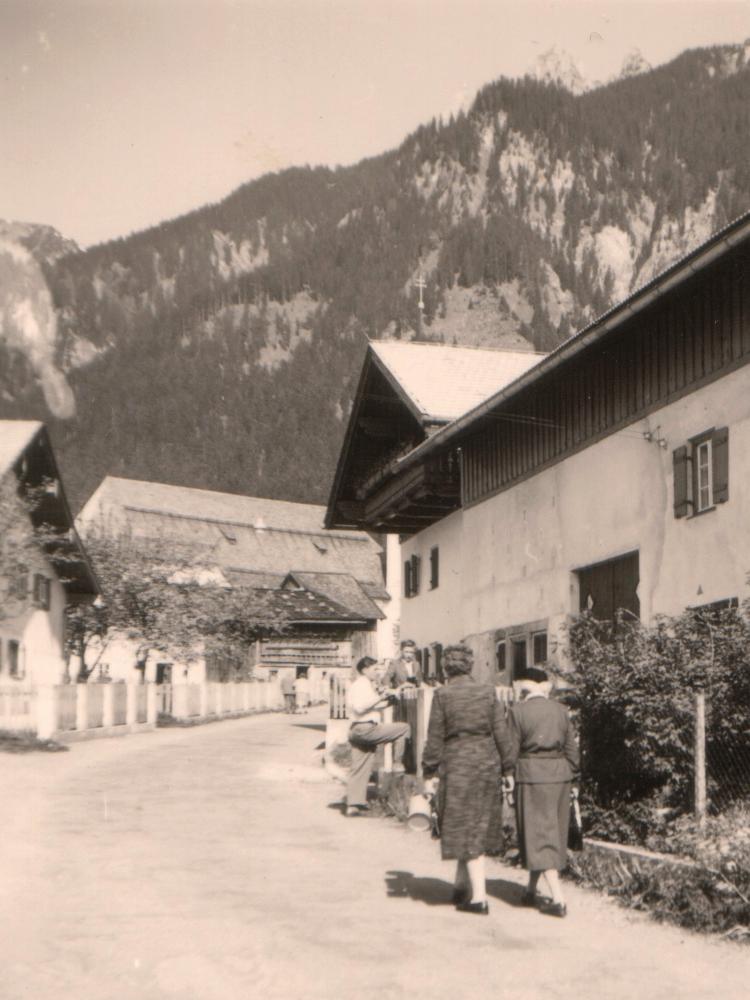 die Wängler Dorfstraße - etwa 1960 - © Fritz Thurner