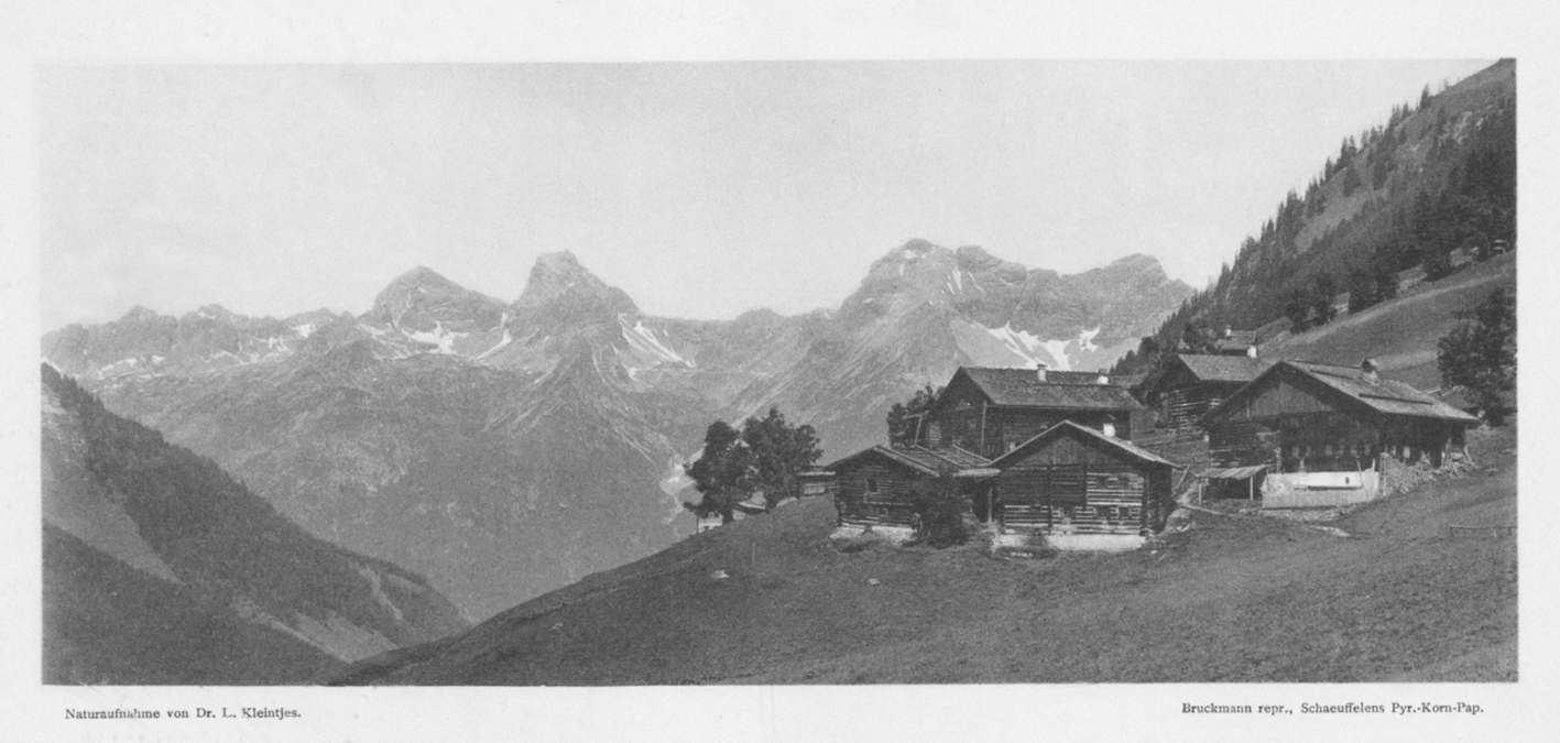 die alten Höfe von Bschlabs mit der Hornbachkette im Hintergrund - aus Zeitschrift des deutschen und österreichischen Alpenvereins (Ausgabe 1908)