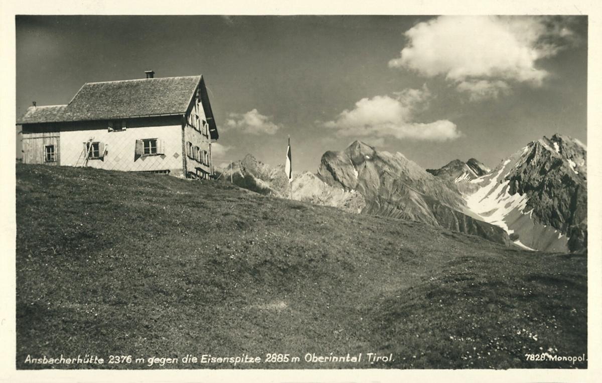 Ansbacherhütte gegen die Eisenspitze