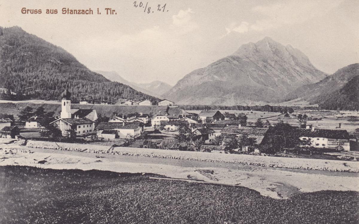 Stanzach im Jahr 1921 während der Verarchung des Namloser Baches - im Hintergrund die Klimmspitze