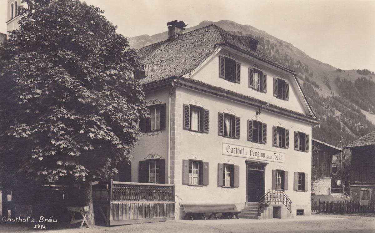 Gasthof und Pension 'zum Bräu' in Holzgau - Foto J. Heimhuber - etwa 1920er Jahre