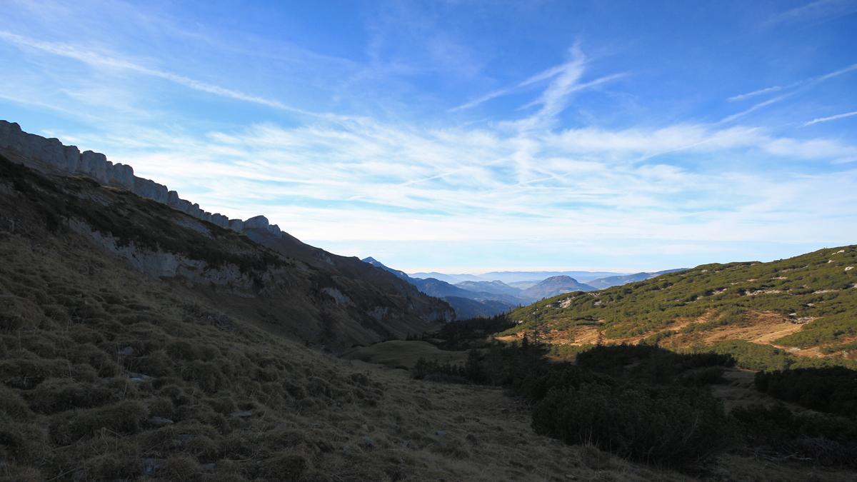 Ausblick vom Windecksattel gegen Westen in das Gebiet der Bestlesgundalpe