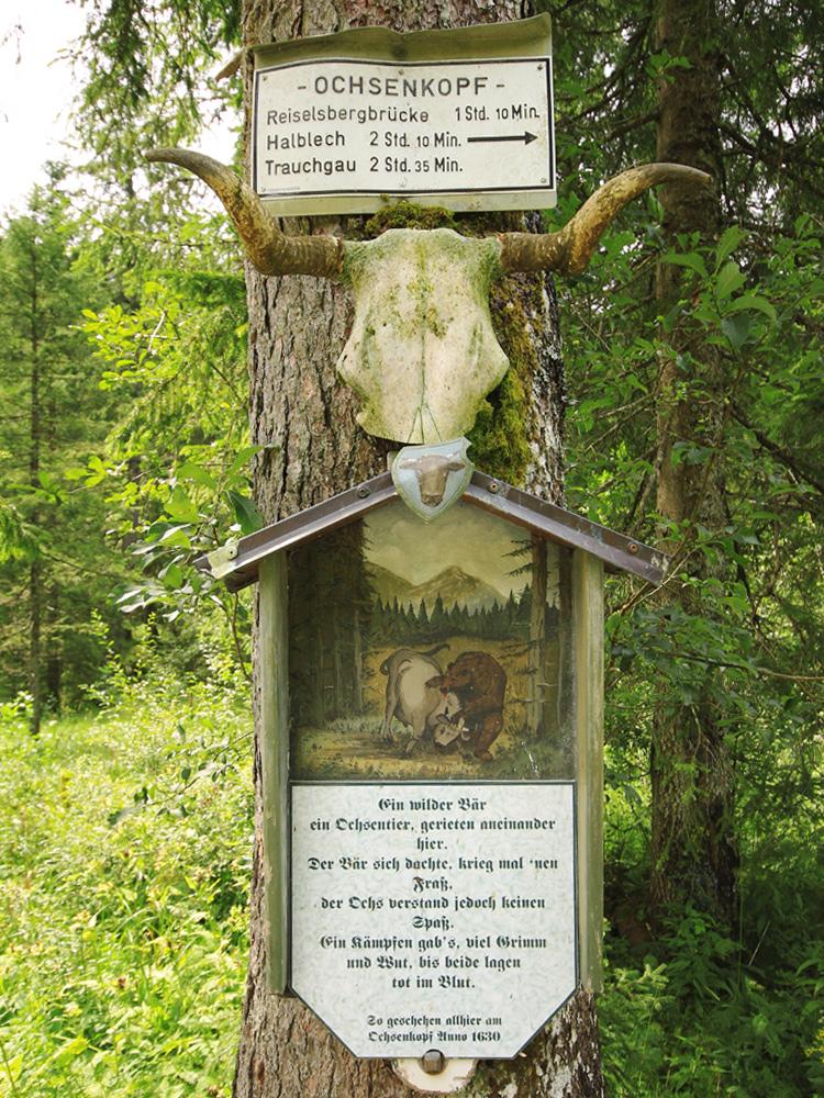Tafel am Ochsenkopf zu einer Begebenheit von vor 400 Jahren zwischen einem Bär und einem Ochsen