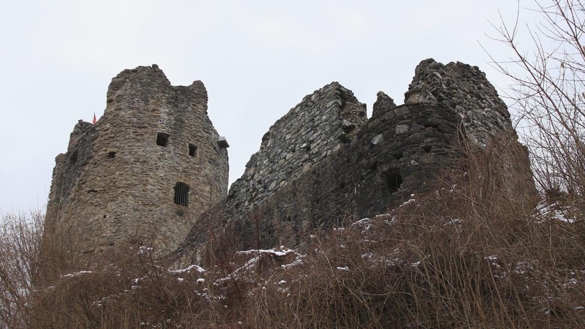 die Ruine Laubenbergstein in ihrer Westansicht
