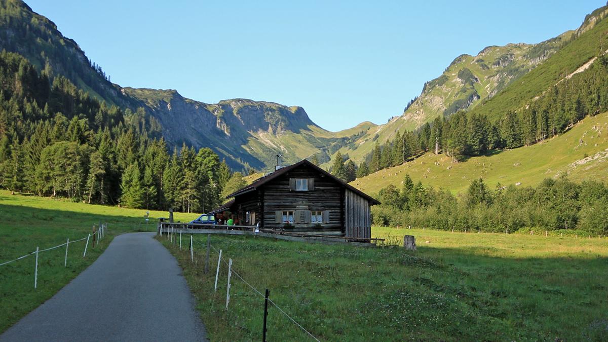 die Schwarze Hütte im hinteren Rappenalpental