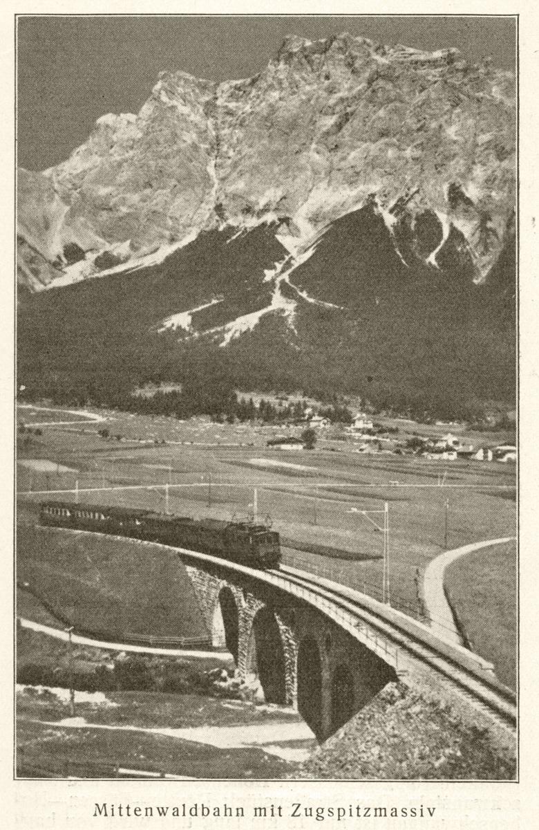 Die Mittenwaldbahn vor dem Zugspitzmassiv