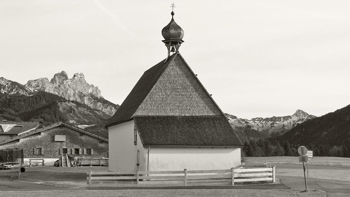 die St. Martins-Kapelle im Tannheimer Weiler Innergschwend