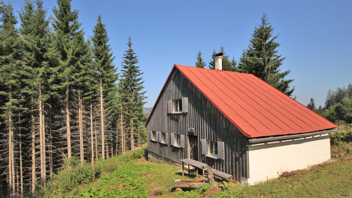 die Tiefenbacher Hütte - nördlich des Tiefenbacher Ecks - ist nicht bewirtschaftet