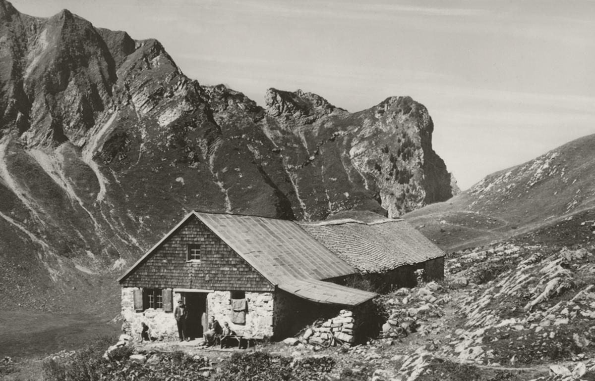 'Schreckenalpe am Schrecksee' - die alte Schreckenhütte, heute zeugen nur noch die verfallenen Grundmauern von deren Existenz