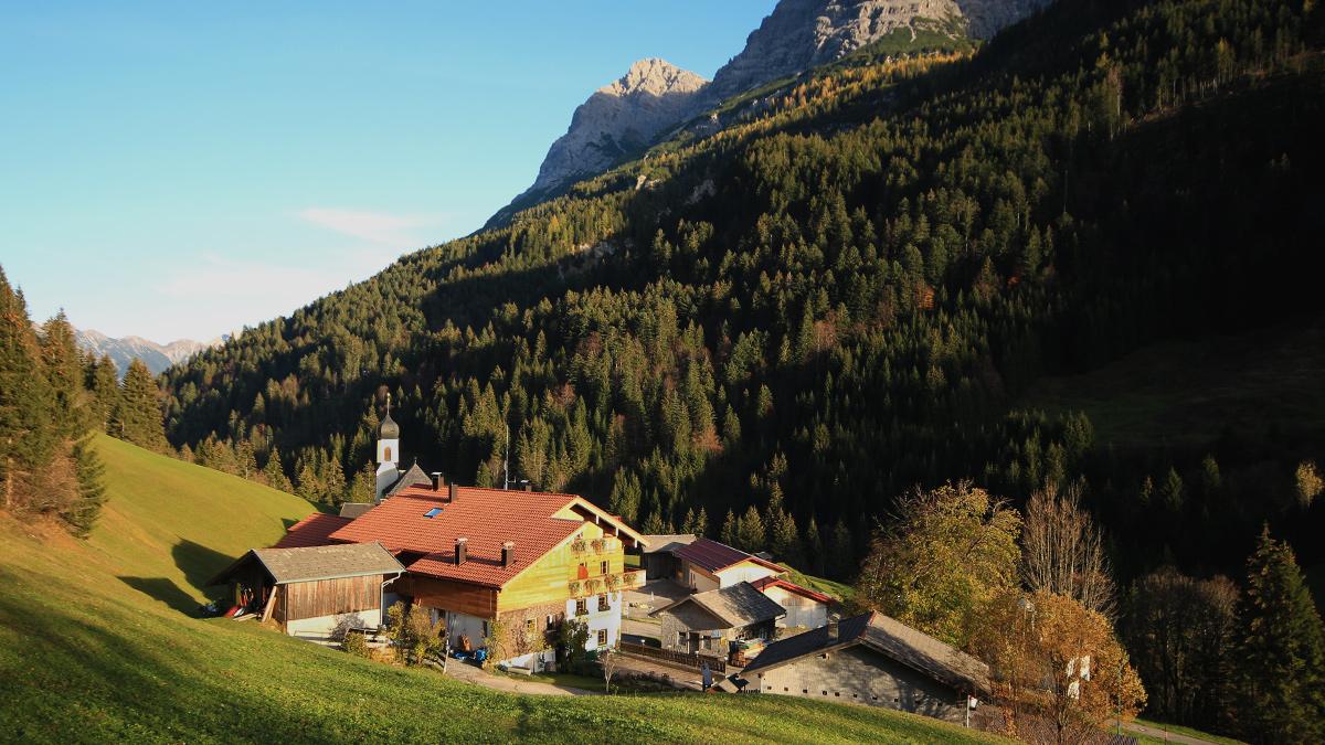 Blick auf den Ort Hinterhornbach
