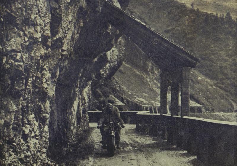 unterwegs auf der Flexenstraße (1927; Foto: Schleich-Hilscher - Der Motorfahrer)