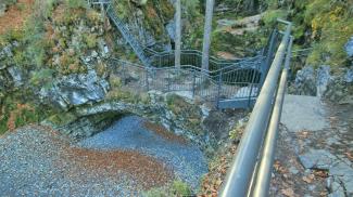 naturbrücke aubach riezlern au