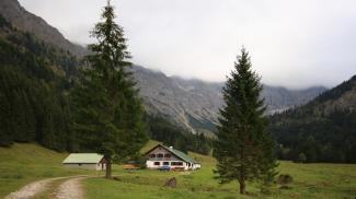 Alpe bei den Ställen