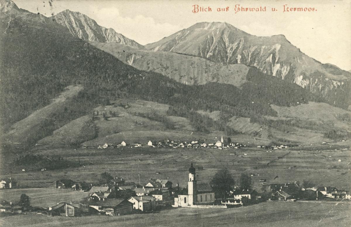 Blick auf Ehrwald und Lermoos - Gartnerwand und Bleispitze (Pleisspitze) - Rückseite durch Klebereste beschädigt