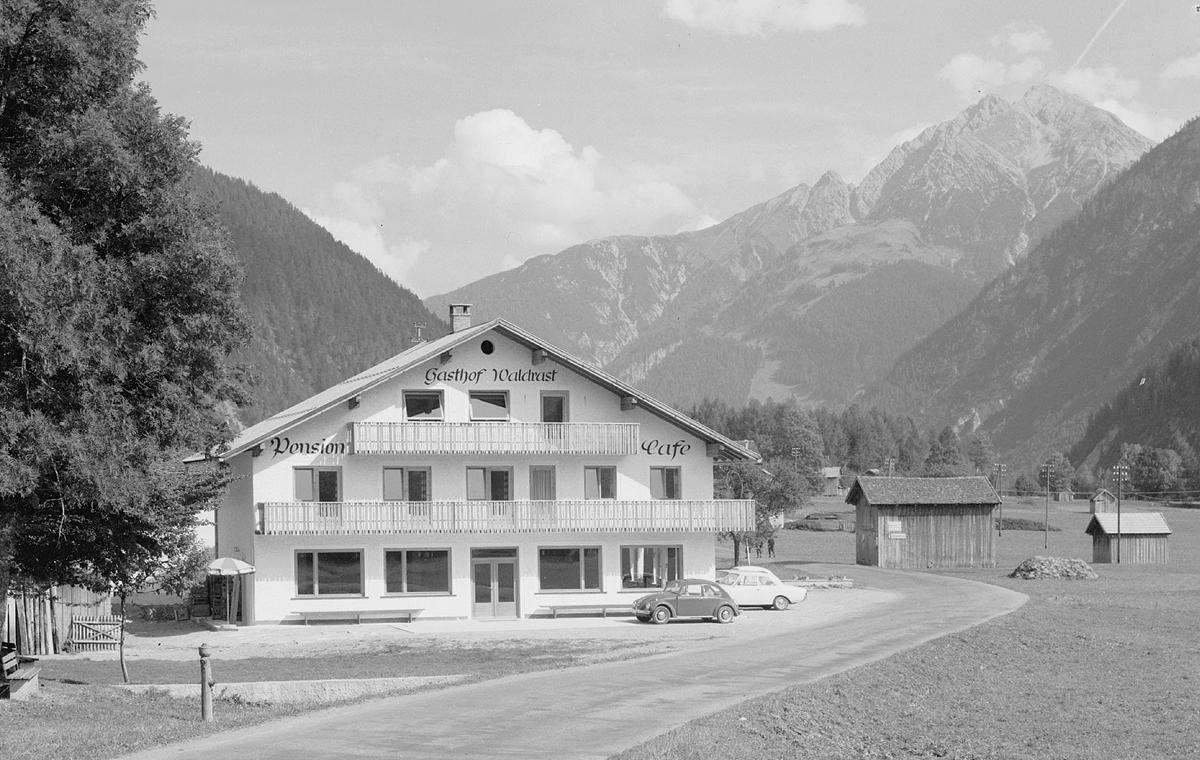 der Gasthof Waldrast der Familie Huber in Holzgau - 1967 - Foto: Risch-Lau - nicht gelaufen