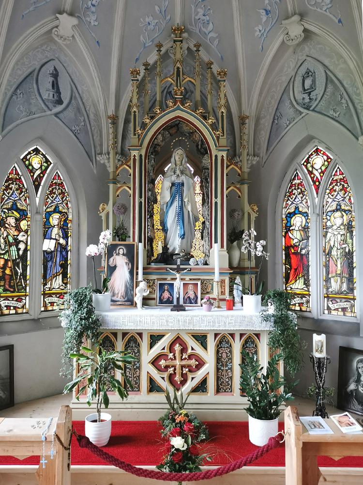 tannheim lourdesgrotte kapelle marienstatue