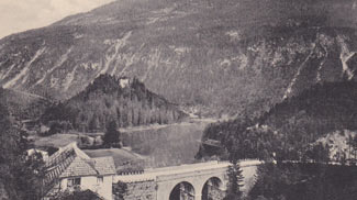 Fernsteiner-See mit Ruine Sigmundsburg