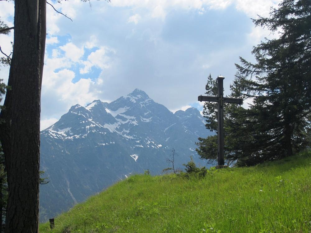 Gipfelkreuz am Baichlstein und nochmal die Klimmspitze im Hintergrund