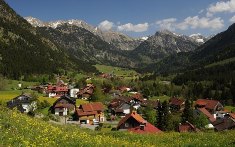 Der Bad Hindelanger Ortsteil Hinterstein ist besonders geeignet ist für das Prädikat Bergsteigerdorf. Der Deutsche Alpenverein bestätigte jetzt die einhellige Hindelanger Meinung. Foto: Wolfgang B. Kleiner